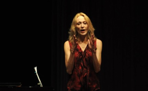 Broadway star Jan Maxwell visits theater students